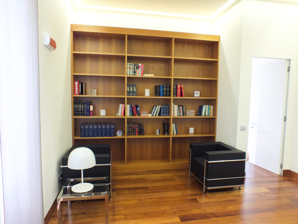 Arredare studio legale per casa con arredamento studio legale